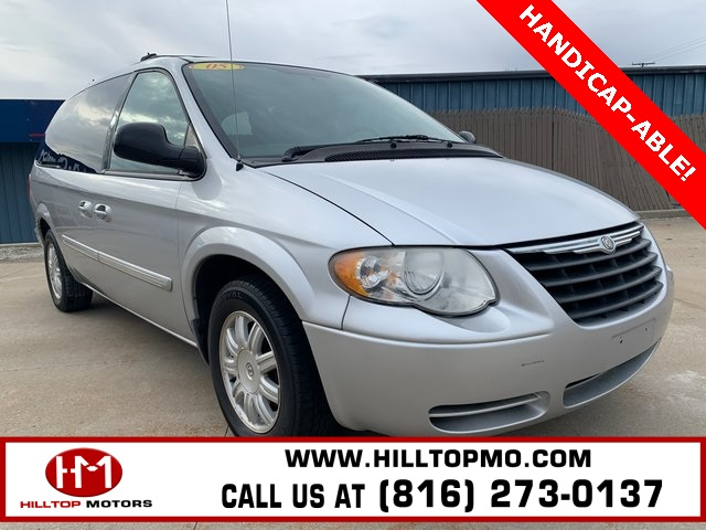 Pre-Owned 2005 Chrysler Town & Country Touring