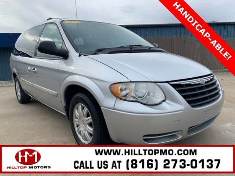 Pre-Owned 2005 Chrysler Town & Country Touring FWD 4D Passenger Van